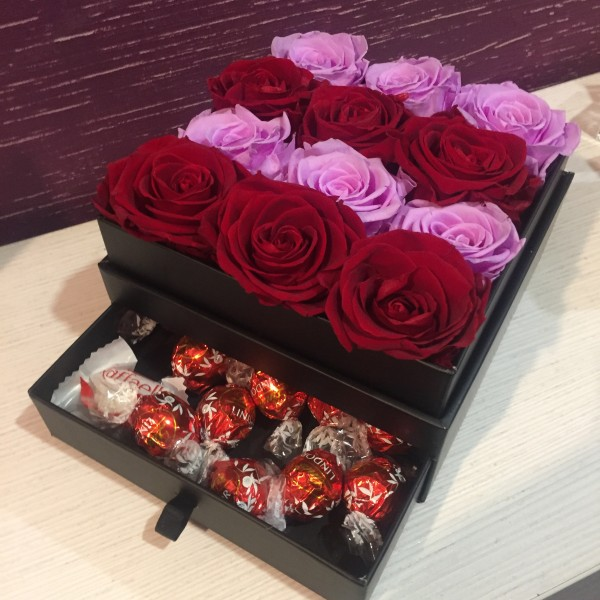 12 рози